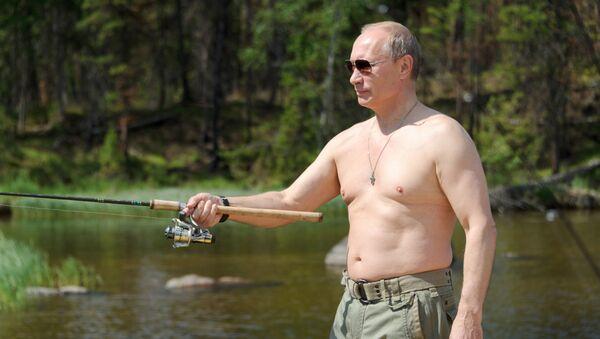 Президент России Владимир Путин во время рыбалки в Республике Тыва - Sputnik Česká republika