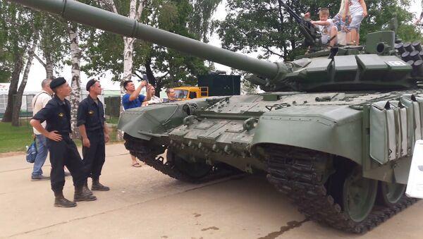 Tank T-72B3: podívejte se, v čem soutěží v tankovém biatlonu - Sputnik Česká republika