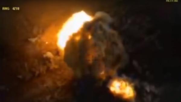 MO RF zveřejnilo videozáznam útoků na pozice IS v syrském Akerbatu - Sputnik Česká republika