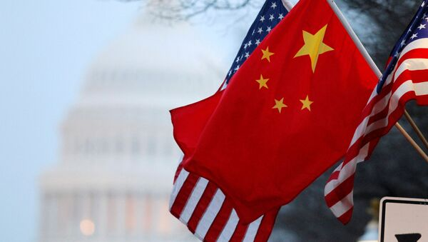 Čínská a americká vlajky - Sputnik Česká republika