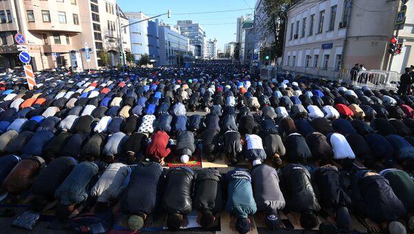 Moskevská mešita v den Svátku oběti - Sputnik Česká republika