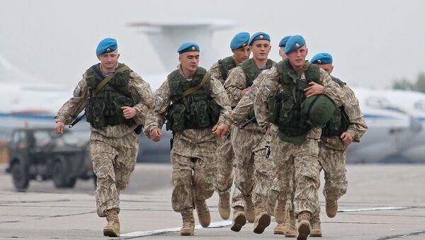 Ruští vojáci během cvičení Západ 2017 - Sputnik Česká republika