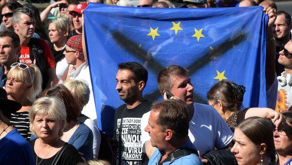Demonstrace proti imigraci v Praze - Sputnik Česká republika