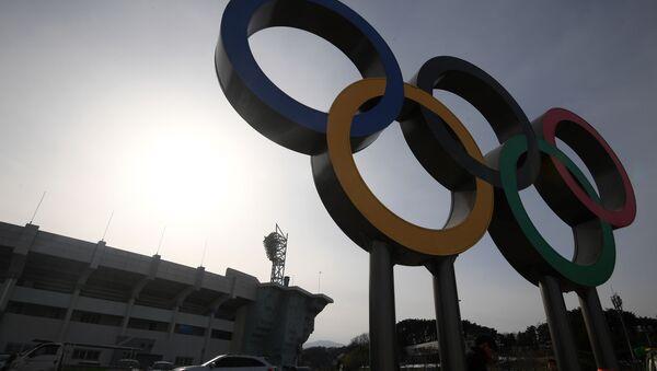 Olympijské kruhy v Olympijském parku - Sputnik Česká republika
