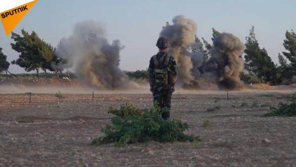 Syrští ženisté se učí od ruských vojáků - Sputnik Česká republika