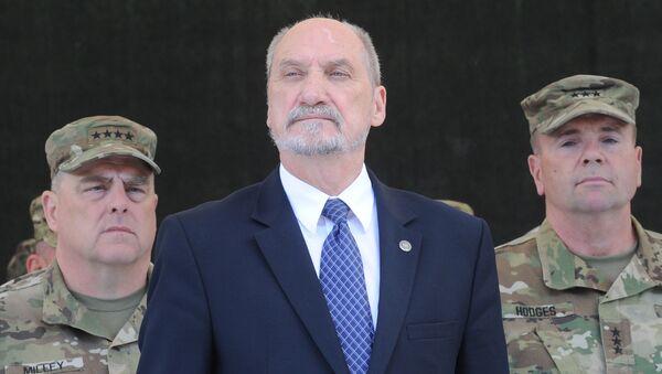 Polský ministr obrany Antoni Macierewicz - Sputnik Česká republika