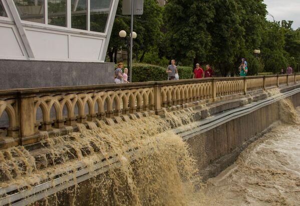 Zaplavené město Soči - Sputnik Česká republika