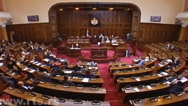 Srbská opozice dohnala předsedkyni parlamentu k slzám - Sputnik Česká republika