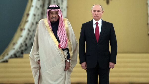 Ruský prezident Vladimir Putin a saudský král Salmán bin Abd al-Azíze - Sputnik Česká republika