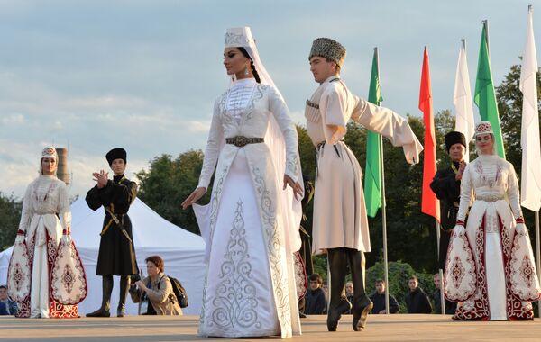 Vystoupení tanečního sboru Alan ve Vladikavkazu - Sputnik Česká republika