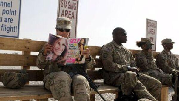 Američtí vojáci čekají na vrtulník v Afghánistánu - Sputnik Česká republika