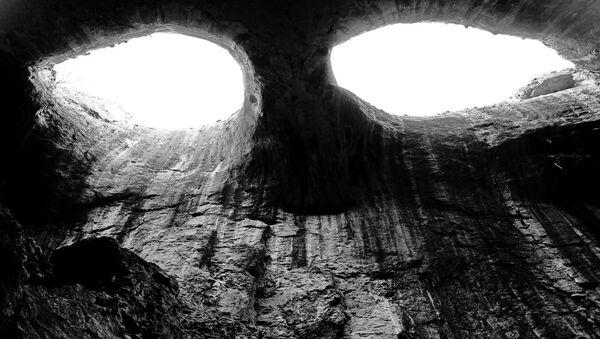 Jeskyně - Sputnik Česká republika