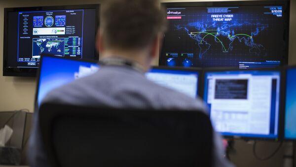 Americký odborník na kybernetické hrozby - Sputnik Česká republika