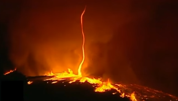 """""""Ohnivý ďábel"""": v Portugalsku natočili ohnivé tornádo - Sputnik Česká republika"""
