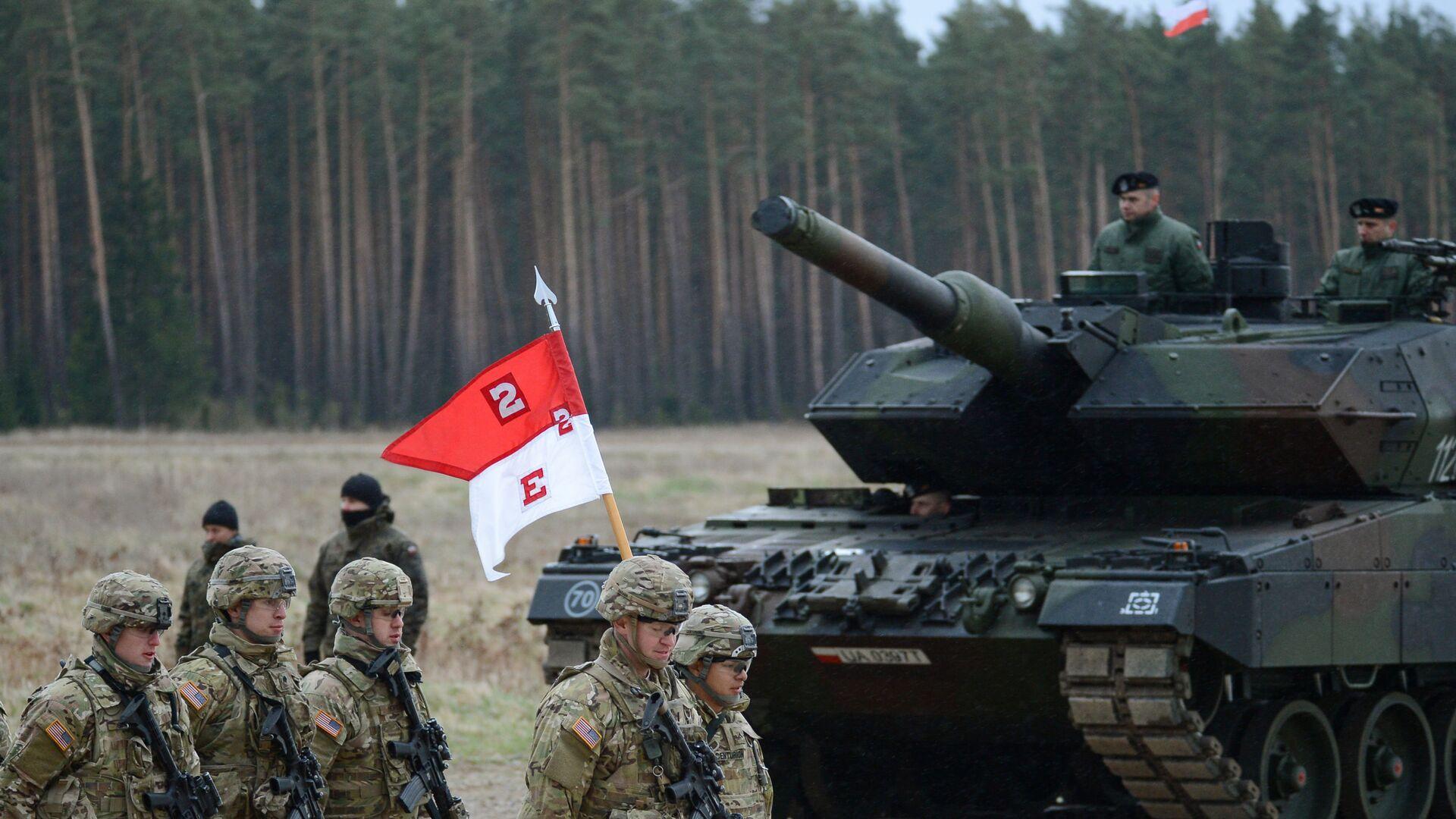 Polští vojáci vítají prapor NATO - Sputnik Česká republika, 1920, 23.09.2021