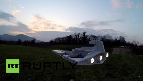 Hvězdný destruktor vlastní výroby ze Star Wars létá a stříly laserem - Sputnik Česká republika
