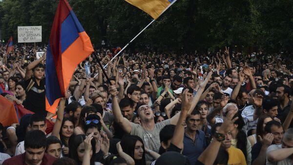 Aktivisté v Jerevanu - Sputnik Česká republika