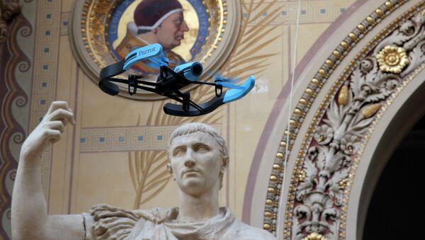 Drone v Paříži - Sputnik Česká republika