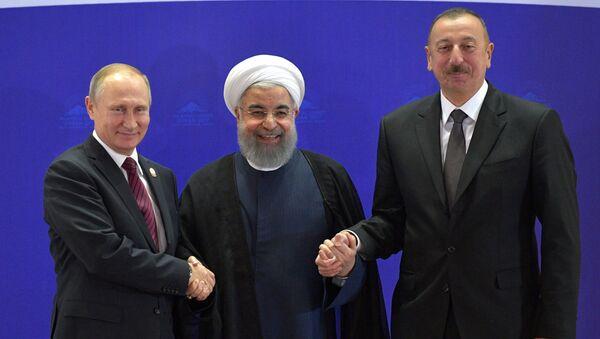 Vladimir Putin, Hasan Rúhání a Ilham Alijev v Teheránu - Sputnik Česká republika