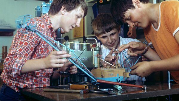 Mladí vývojáři v SSSR - Sputnik Česká republika