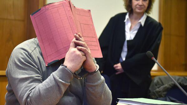 Nils Hegel v soudní místnosti soudu Oldenburgu - Sputnik Česká republika