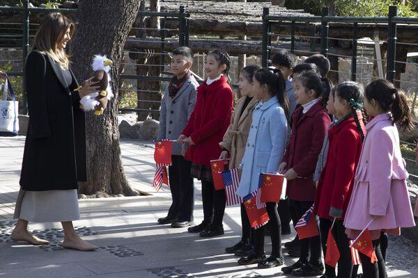 První dáma USA s čínskými dětmi. - Sputnik Česká republika
