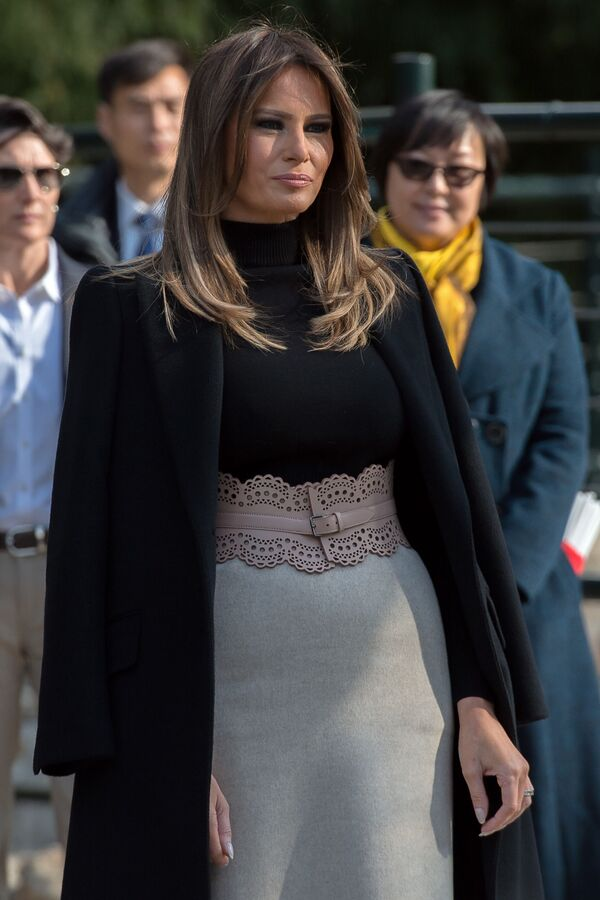 Melania Trumpová během návštěvy pekingské zoo. - Sputnik Česká republika