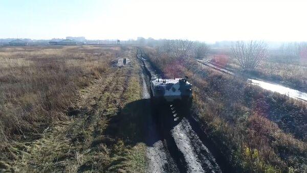Nové bojové vozidlo výsadkářů RCHM-5 bylo přijato do služby - Sputnik Česká republika