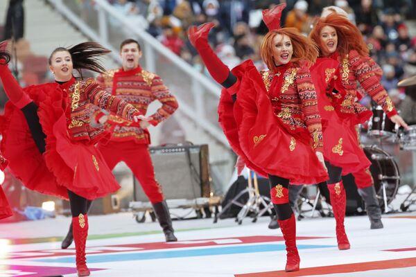 Umělci na pódiu během mítinku-koncertu Rusko sjednocuje! v Moskvě - Sputnik Česká republika