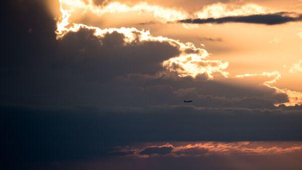 Letadlo v nebi - Sputnik Česká republika