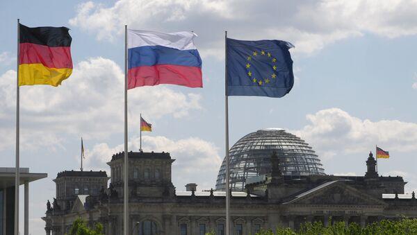 Vlajky Německa, Ruska a EU  - Sputnik Česká republika