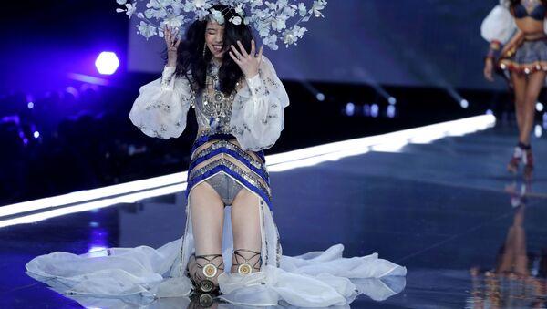 Top modelka Ming Xi - Sputnik Česká republika