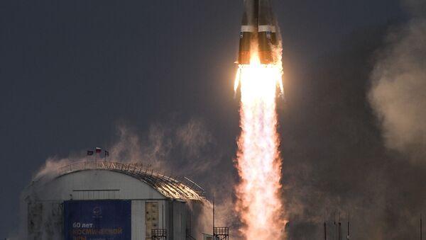 Start rakety Sojuz s družicí Meteor-M z kosmodromu Vostočnyj - Sputnik Česká republika