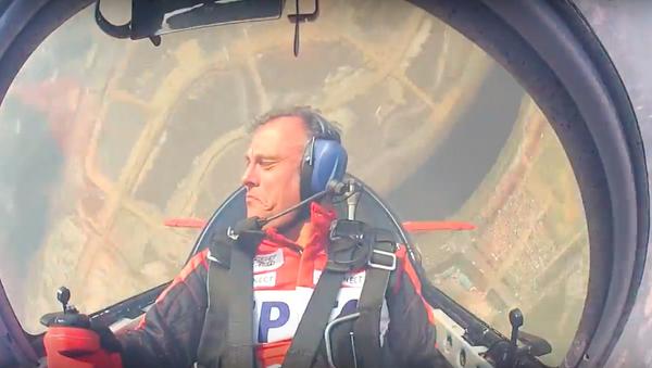 Sovětská škola: mistr Španělska v letecké akrobacii létá na Su-31 - Sputnik Česká republika