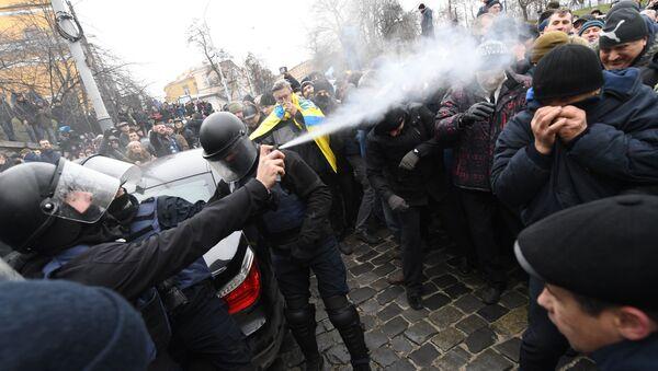 Zásah policie proti protestujícím v Kyjevě - Sputnik Česká republika