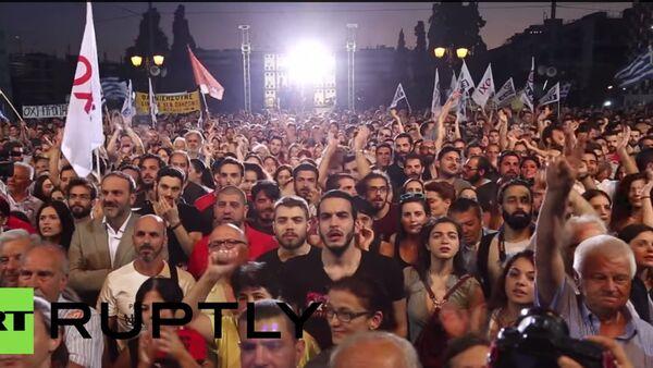 25 tisíc lidí se sešlo na mítink v centru Atén s výzvou hlasovat proti požadavkům věřitelů - Sputnik Česká republika
