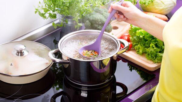 Vaření polévky - Sputnik Česká republika