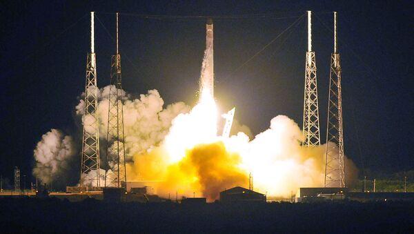 Start rakety Falcon - Sputnik Česká republika