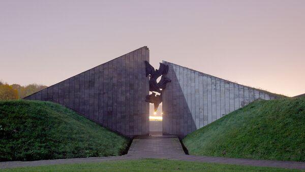 Sovětský memoriál Maarjamäe v Tallinnu - Sputnik Česká republika
