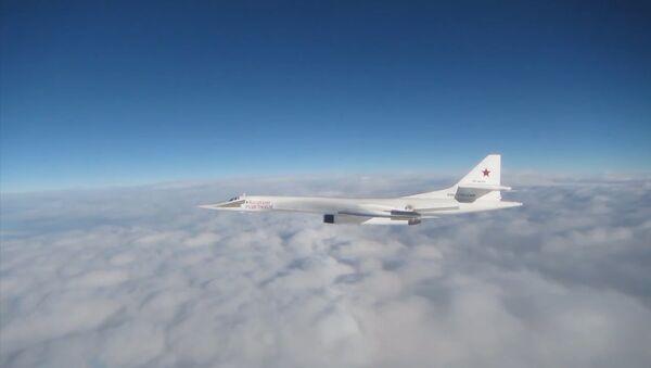 Cizí letectvo doprovázelo ruské bombardéry Tu-160 během 15hodinového letu nad Atlantském oceánem - Sputnik Česká republika
