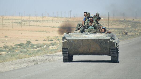 Cesta z Palmyry do města Arak v Sýrii - Sputnik Česká republika