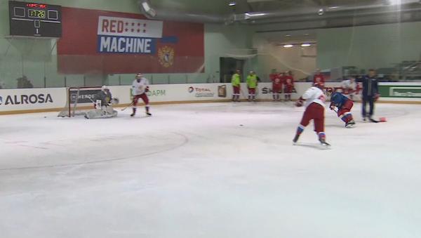 Ruský hokejista: Olympijské hry jsou jako narozeniny MOV, někdo pozván je a někdo není - Sputnik Česká republika