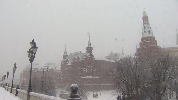 Moskva trpí rekordním sněžením. Výška sněhové pokrývky dosahuje skoro půl metru! - Sputnik Česká republika