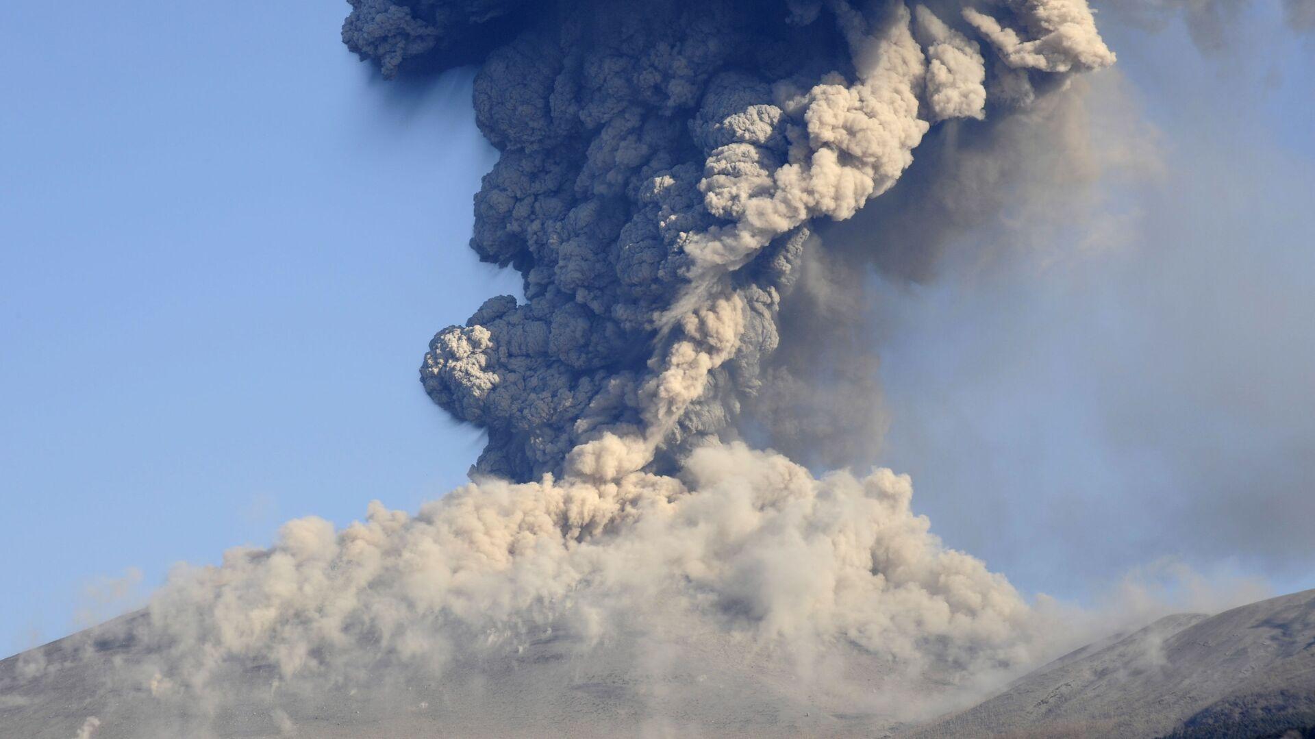 Vulkán Šinmoedake v Japonsku - Sputnik Česká republika, 1920, 03.09.2021