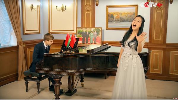 Lukašenkův syn přeje Si Ťin-pchingovi vše nejlepší do nového roku jako bos (VIDEO) - Sputnik Česká republika