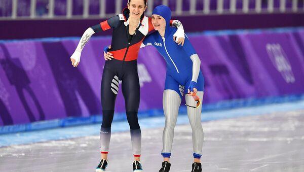 Sáblíková s Voroninovou po závodu na 5000 metrů - Sputnik Česká republika