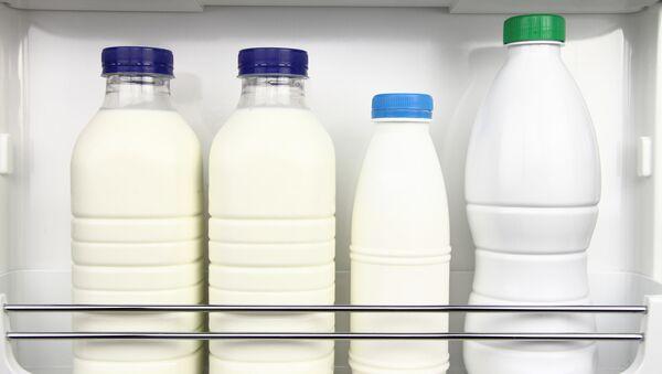 Mléko v ledničce - Sputnik Česká republika