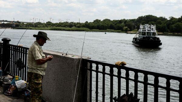 Rybáři na nábřeží Rostovu na Donu - Sputnik Česká republika