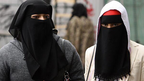 Dívky s hidžábem v Londýně - Sputnik Česká republika