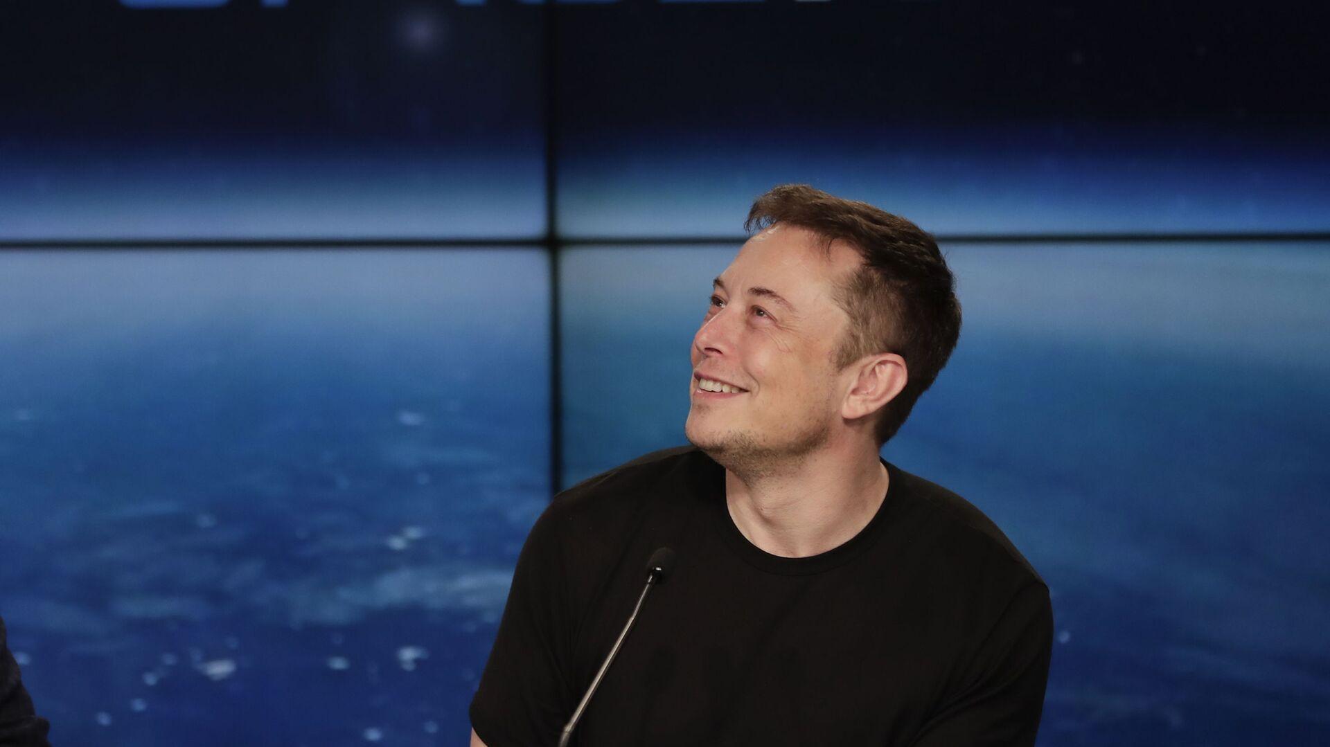 Elon Musk na tiskové konferenci - Sputnik Česká republika, 1920, 15.08.2021